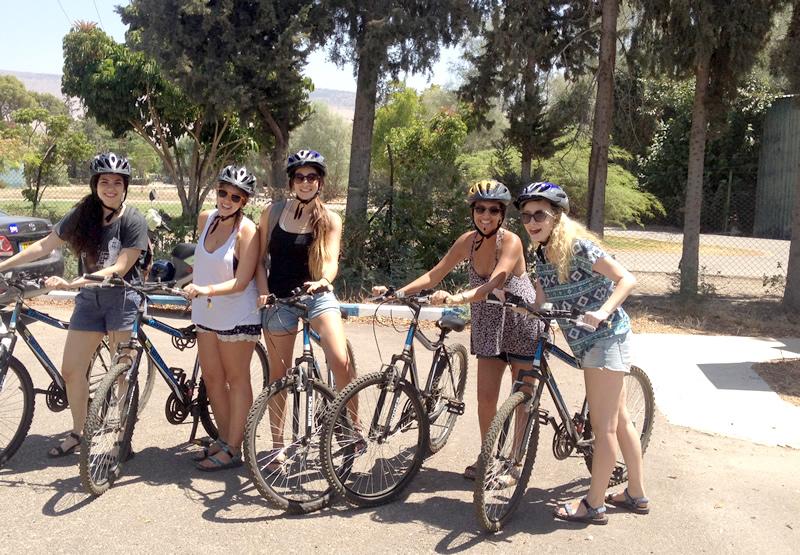 מעגניים השכרת אופניים בכנרת